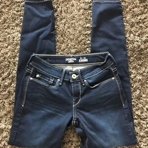 Levi's low-rise jeggings